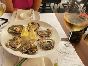Yum oysters!